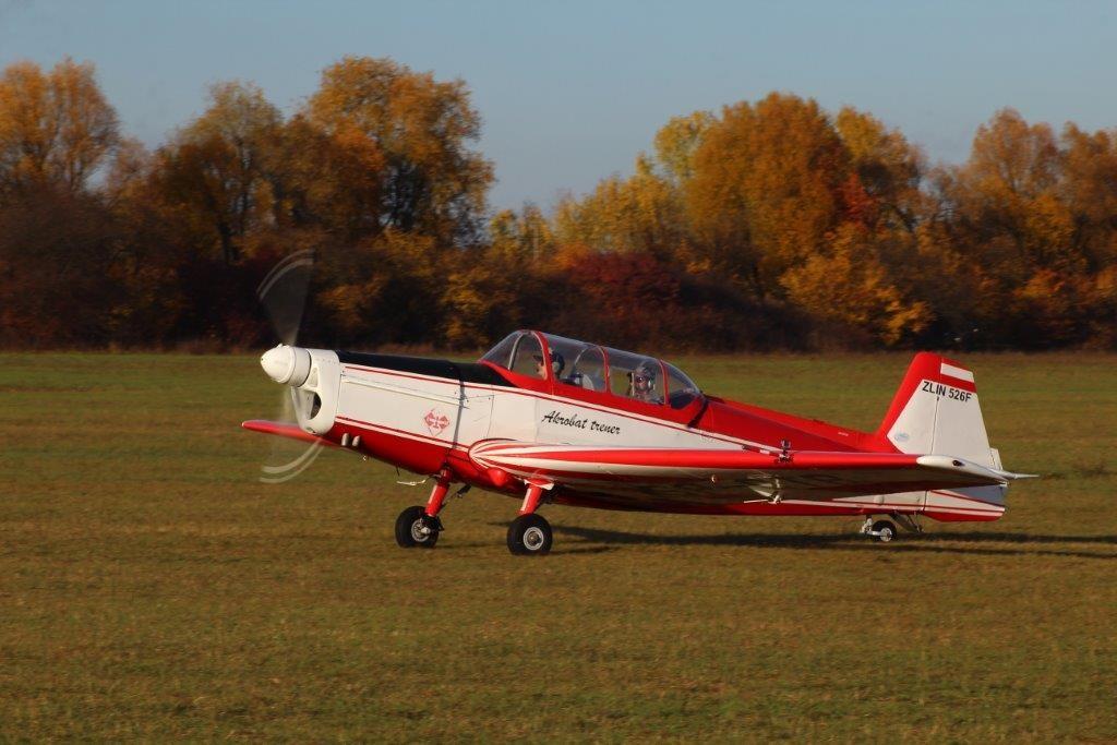 Samolot Zlin 526f SP-CTB